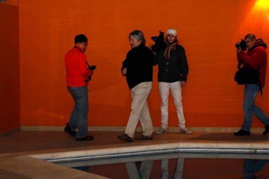 La propiedad posee una enorma pileta techada y con gran vista al parque de cuatro hectáreas. Foto: LA NACION / Horacio Córdoba