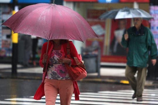 Lluvia y alerta de granizo en Buenos Aires. Foto: LA NACION / Ezequiel Muñoz
