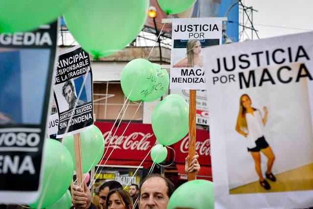 En mayo, familiares, amigos y conocidos de Macarena pidieron justicia en una suelta de globos