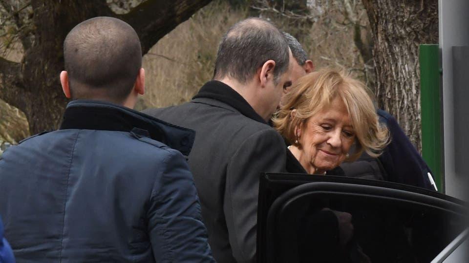 La madre de Máxima en el cementerio Memorial