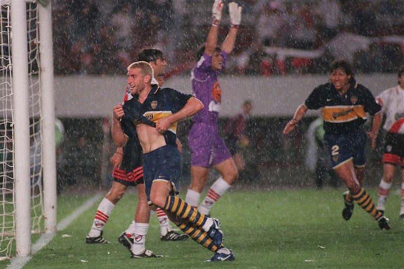 El festejo del gol de Palermo, que definió el clásico. Foto: Archivo