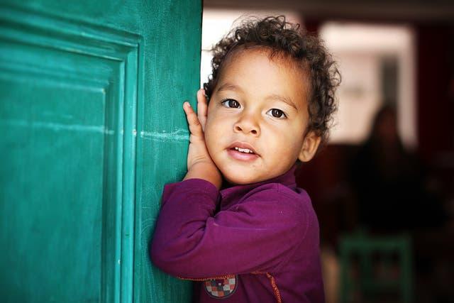 Moreno, un pequeño de un año y siete meses, en su casa de San Isidro