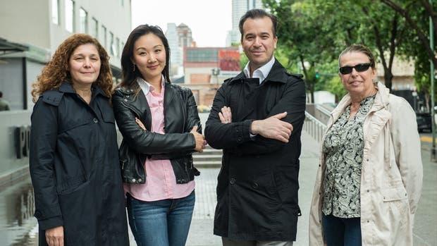 De izq. a derecha: Myriam Aguirre, Manuela Kim, Eugenio Otal y Ana María Llois