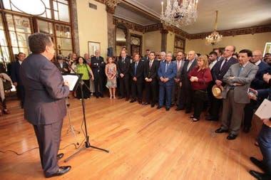 """Puerta celebró el trabajo de quien, en el exterior, """"colabora a fortalecer la imagen"""" de la Argentina"""