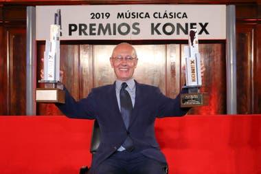 El coreógrafo Oscar Araiz recibió el Konex de Brillante como artista de la década en la categoría Música Clásica y el Platino, a mejor coreógrafo