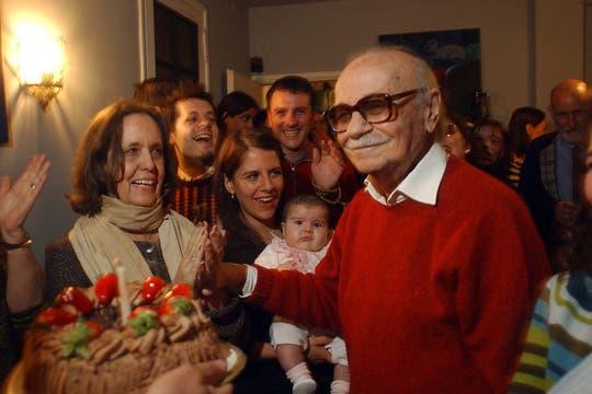 Su brazo ejecutor en el área social era Elvira González Fraga, quien había ganado su corazón. Foto: Archivo
