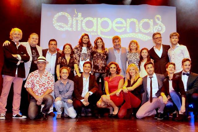 El elenco completo de Quitapenas, en la presentación de la tira