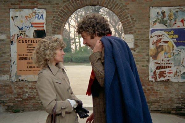 Sutherland y Christie, y una escena que pareció real en Venecia Rojo Shocking