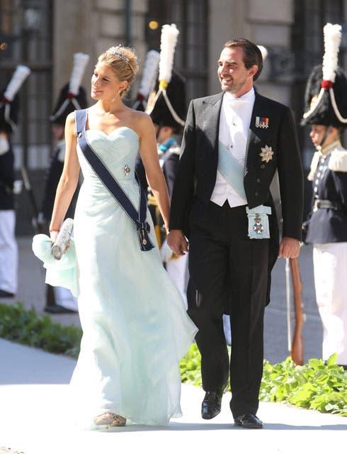 La princesa Tatiana de Grecia se coronó como una de las invitadas más elegantes del enlace con un precioso y vaporoso vestido de color celeste. Asistió junto al príncipe Nicolás. Foto: /AP y Getty