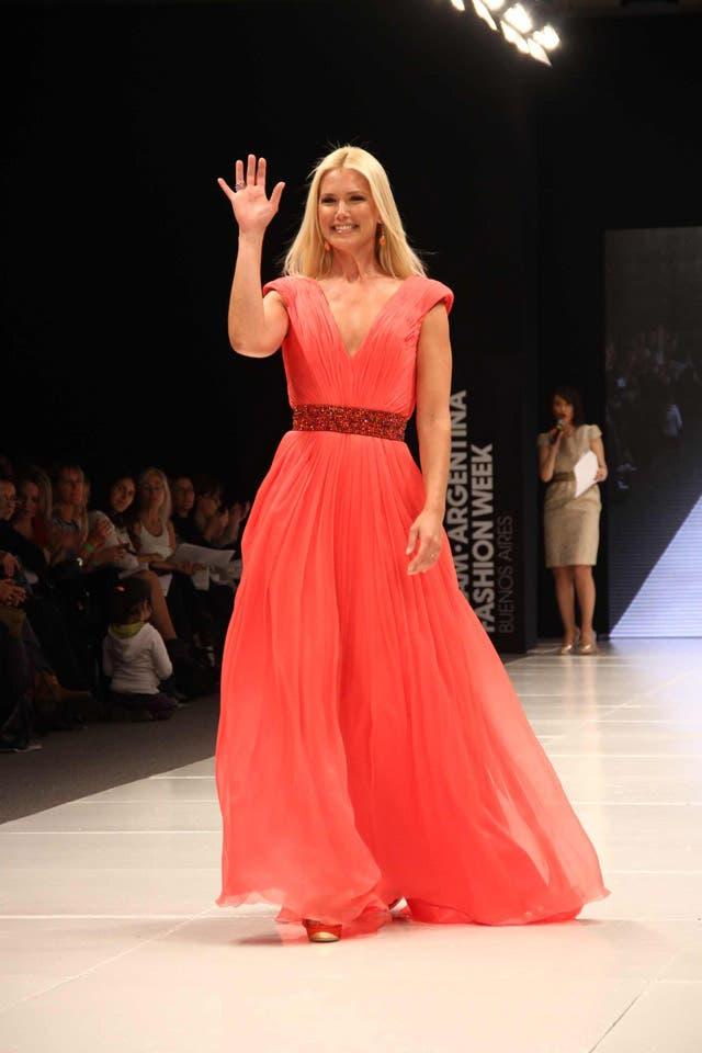 Valeria lució un elegante vestido diseñado por Benito Ibáñez. Foto: /Gerardo Viercovich