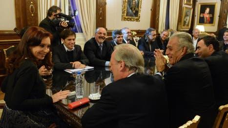 La Presidenta se reunió en mayo de 2014 con los sindicatos estatales para firmar un nuevo acuerdo salarial. Allí se incluyó el compromiso de aumentar los nombramientos