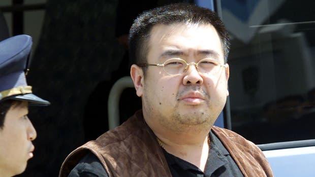 Detienen a una mujer por crimen del hermano de líder norcoreano