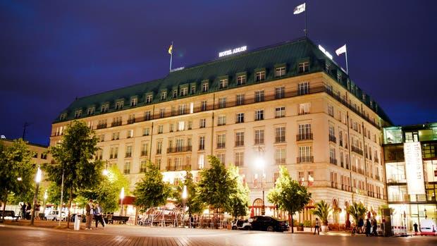 Los empleados del famoso Hotel Adlon, bajo investigación