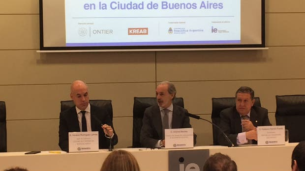 Horacio Rodríguez Larreta habló sobre la seguridad jurídica en la Argentina con inversores extranjeros.