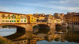 Antes de que Alessandro Manzoni terminara su libro, dijo que necesitaba lavar su lenguaje en el río Arno.