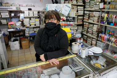 María Fernanda es empleada de la mercería de Villa del Parque que manejan Mariana Fraga y María Fernanda Cremona