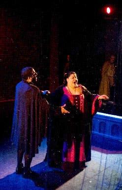 Soledad de la Rosa, como Lucia, dejó escuchar su exquisita musicalidad y su cautivante color vocal