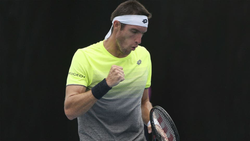 Nadal arrasa y pasa a segunda ronda del Abierto de Australia