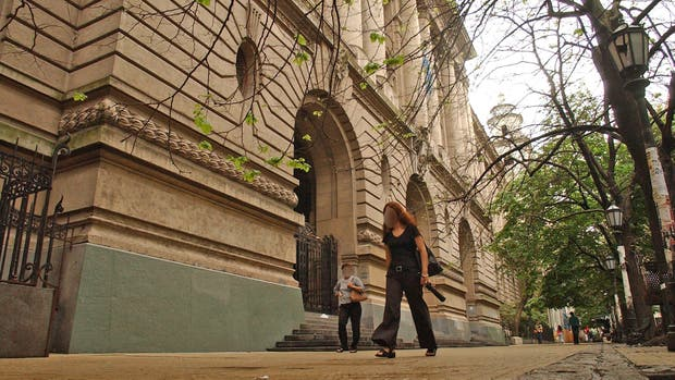 Radicaron la denuncia por abuso sexual en el Nacional Buenos Aires