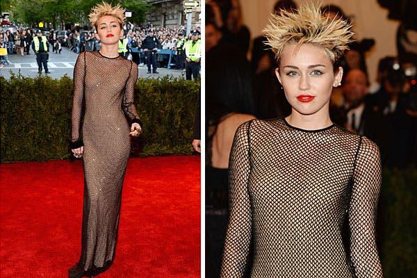 Miley Cyrus, con un vestido al cuerpo de Marc Jacobs y súper peinado punk. Foto: AP, AFP y Reuters