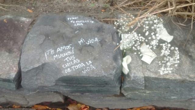 El lugar donde Macri dejó flores en homenaje a las víctimas del atentado
