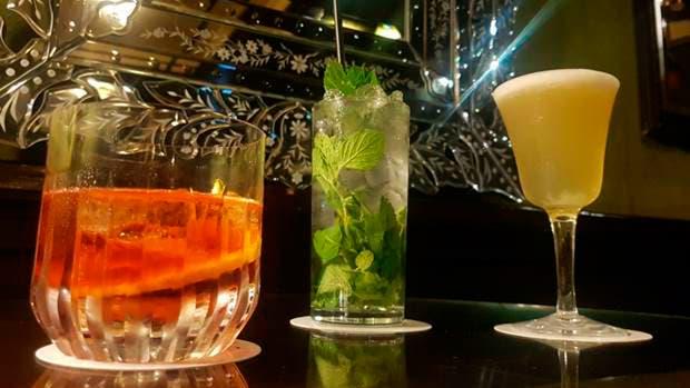 Los tragos infalibles: negroni, mojito y pisco sour del Celtic Pub del Hotel Panamericano