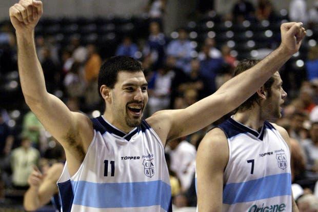 Scola y Oberto, felices por el triunfo.  Foto:Archivo