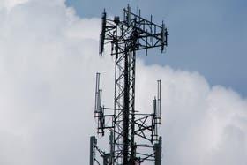 """La resolución de la secretaría de Comunicaciones remarca que las empresas """"deberán garantizar el libre acceso de la CNC a las instalaciones y sistemas"""""""