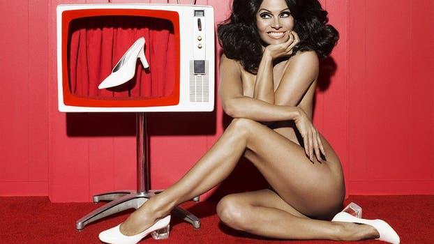 Pamela Anderson, al desnudo pero con zapatos. Foto: Paper Magazine