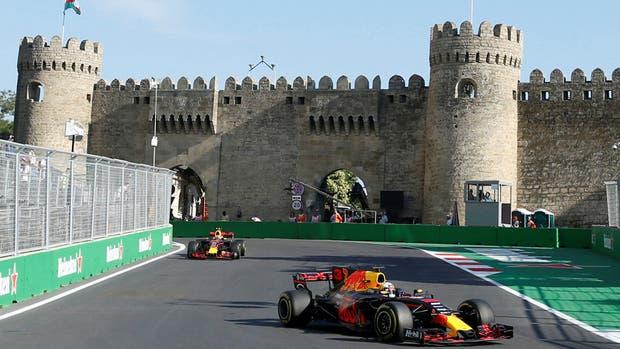 Los Red Bull fueron la gran sorpresa en los entrenamientos libres de Bakú