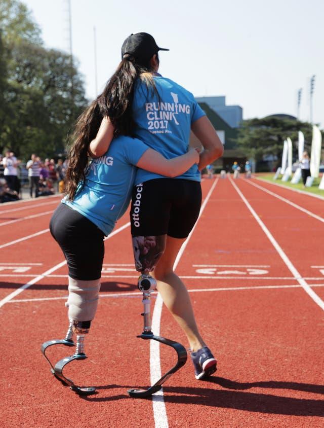 Esmeralda Riggio, probando prótesis para correr
