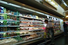 El congelamiento de precios abarcó sólo en un principio a los supermercados, después se sumaron otros sectores