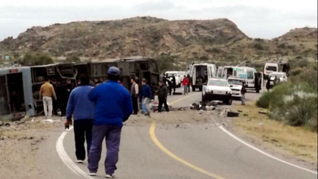 Al menos 12 personas fallecieron en el accidente en Mendoza