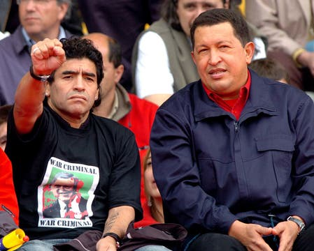 Maradona y Chávez en la IV Cumbre de las Américas en 2005 en Mar del Plata. Foto: Archivo