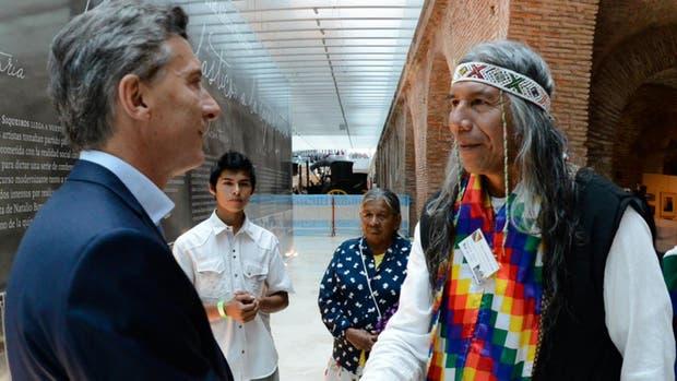 Mauricio Macri y Félix Díaz en el museo del Bicentenario