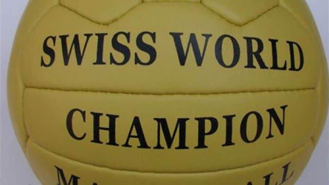 1954, Suiza: la pelota se llamó Swiss World Champion y fue un modelo similar al de Brasil. Foto: Archivo