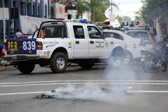 Policías protestan en Concordia. Foto: LA NACION / Marcelo Manera