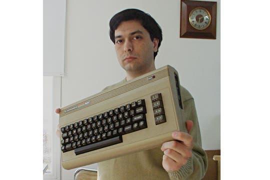 Pablo Roldán, coleccionista de Commodore 64 y dueño del sitio Retrocomputacion.com.