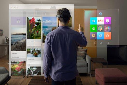 HoloLens de Microsoft busca incorporar animaciones y hologramas en el entorno del usuario, que pueden ser controlados con el movimiento de los ojos, las manos o por órdendes de voz. Foto: EFE