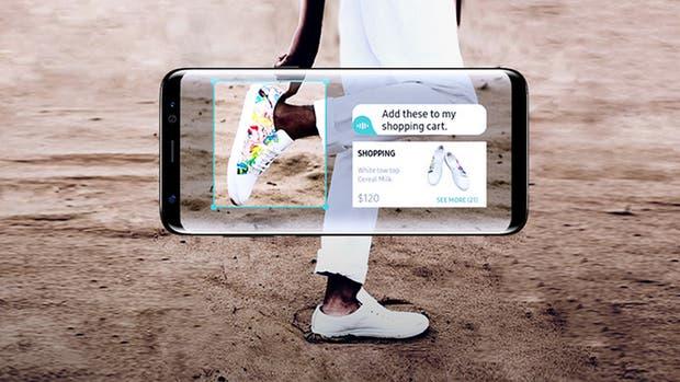 Bixby es un asistente inteligente que fue desarrollado por Viv, capaz de reconocer un modelo de una zapatilla mediante la cámara del celular. Viv es una firma que adquirió Samsung en 2016