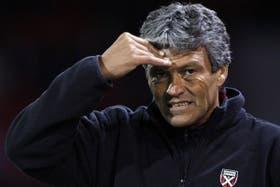Clausen, duro con Gallego
