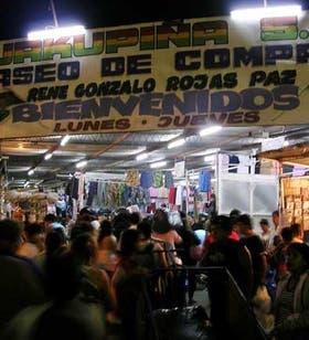 En el centro comercial a la vera del Riachuelo dicen que facturan unos 60 millones de pesos por semana