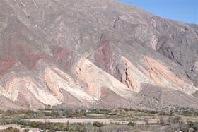 La colorida Paleta del Pintor, en Maimará