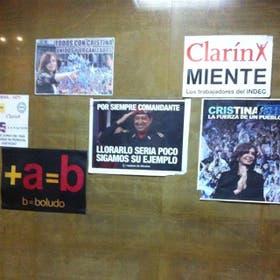 Antesala del despacho de Moreno: burlas a Massa y a Clarín;