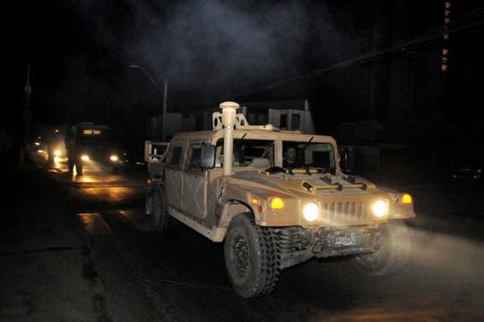 Un camión militar en  Iquique, una de las ciudades más afectadas por el terremoto. Foto: Reuters