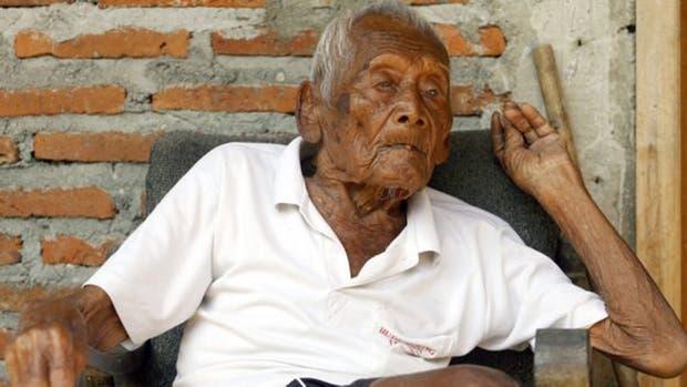 La fascinante historia de Mbah Gotho, el hombre que dice tener 145 años