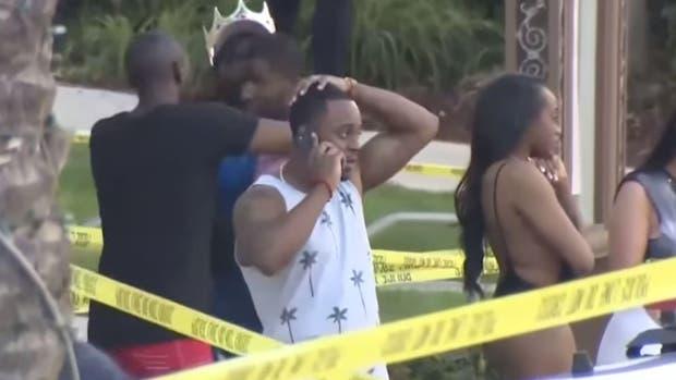Tragedia en pool party en EE.UU.: entró armado, abrió fuego y mató a una persona