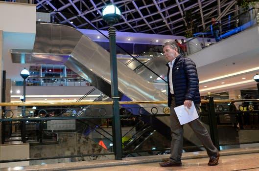 Santos reporta avances positivos en investigaciones del atentado en centro comercial Andino