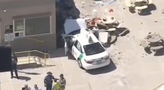 Vehículo arrolla varias personas en Boston