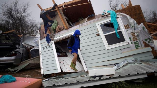 El huracán Harvey hace destrozos en Texas y provoca al menos dos muertos